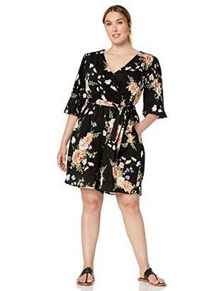f802a9b8 Gabby Skye Women's Plus Size 3/4 Sleeve V-Neck Floral Print Romper