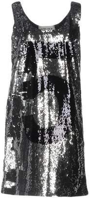 5Preview Short dress