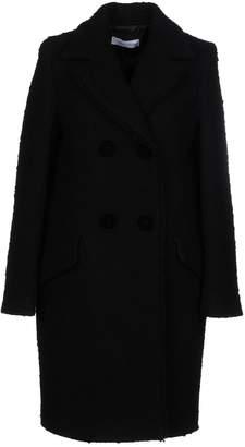 Caractere Coats