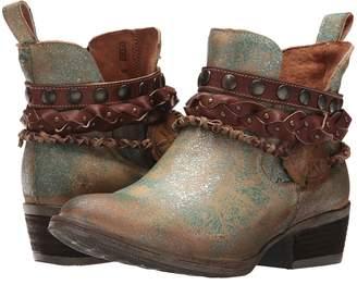 Corral Boots Q5002 Cowboy Boots