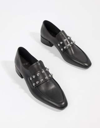 Vagabond Joyce leather pointed loafer with studs