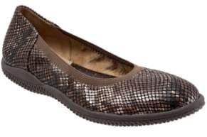 SoftWalk R) 'Hampshire' Dot Perforated Ballet Flat
