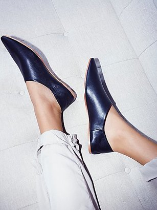 Lexie Leather Flat by Jeffrey Campbell at Free People $90 thestylecure.com