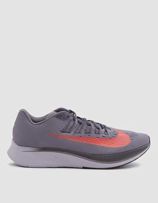 Nike Zoom Fly Running Shoe in Gunsmoke/Bright Crimson