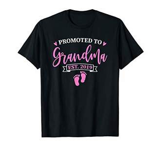 Promoted To Grandma Est. 2019 New Grandmother gift T-Shirt