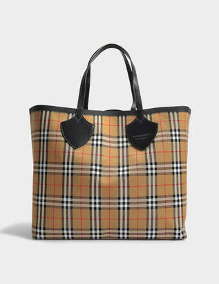 Burberry The Giant Extra Large Tote Bag in Antique Yellow Cotton