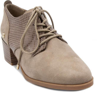 Gloria Vanderbilt Womens Quinn Oxford Round Toe Wide Width Lace-up Shoes