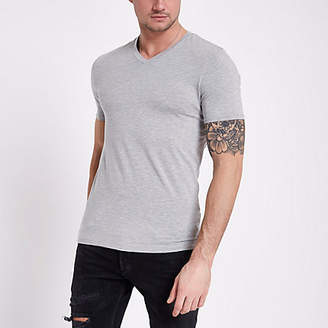 River Island Mens Grey muscle fit V neck T-shirt