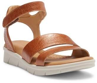 The Flexx Crossover Strap Sandal