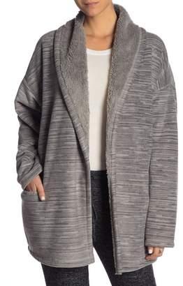 Hue Patterned Fleece Faux Shearling Lined Robe