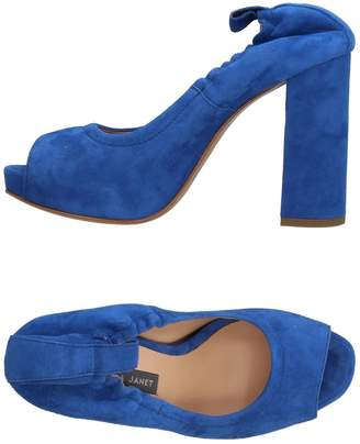 Janet & Janet Pumps - Item 11399930BJ