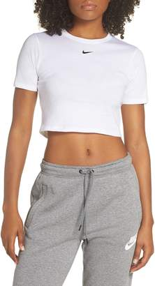 913b6584e Nike Sportswear Slim Fit Crop Top