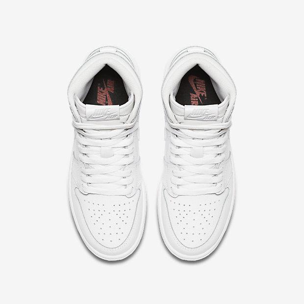 Air Jordan 1 Retro High OG Big Kids' Shoe 5