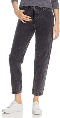 861537df Levi's Cropped Mom Jeans in Brenda