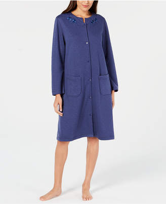Miss Elaine Quilt-In Embroidered Short Snap Robe