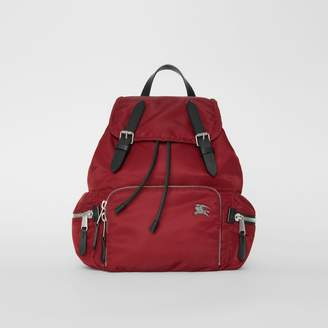 Burberry The Medium Rucksack in Nylon and Leather, Red