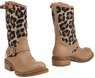 LUCIANO PADOVAN Ankle boots $449 thestylecure.com