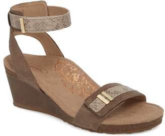 Aetrex Gia Wedge Sandal
