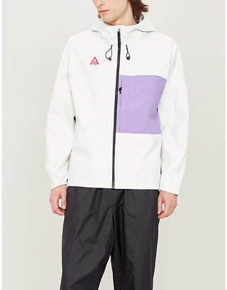 Nike Colour-blocked packable shell hooded jacket