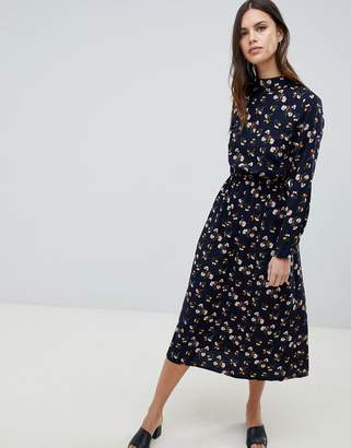 Yumi Long Sleeve Floral Maxi Dress
