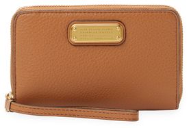 Marc By Marc Jacobs New Q Wingman Leather Wristlet