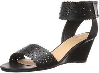 XOXO Women's Sallie-s Wedge Sandal