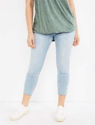 77e357996ab11 Motherhood Maternity BOUNCEBACK Raw Hem Post Pregnancy Jeans