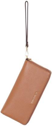 Michael Kors leather Continental Mercer wrist bag