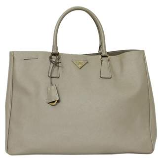 135bd75759a1 ... get pre owned at vestiaire collective prada galleria leather tote 682be  c90ab