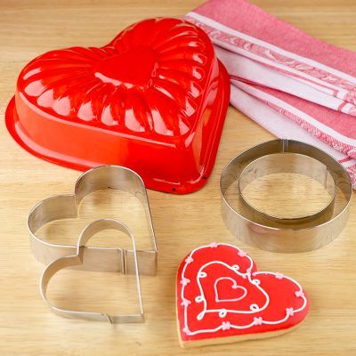 Cake Mold & Cookie Cutters