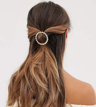 Orelia Exclusive shell open circle hair clip