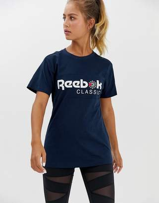 Reebok classic t-shirt in navy
