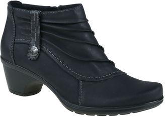 EARTH ORIGINS Earth Origins Rosa Womens Slip-On Shoes $100 thestylecure.com