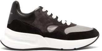 Alexander McQueen Runner Raised Sole Low Top Leather Trainers - Mens - Black Grey