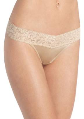 Maidenform Womens Dream Lace Thong Panty