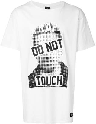 Les (Art)ists Do Not Touch T-shirt