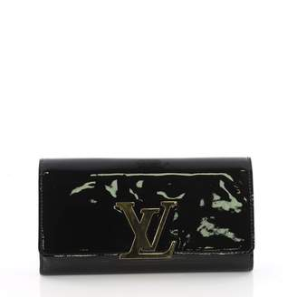 Louis Vuitton Louise patent leather clutch bag
