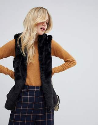 Oasis faux fur vest