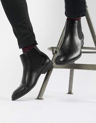 New Look faux leather chelsea boots in black