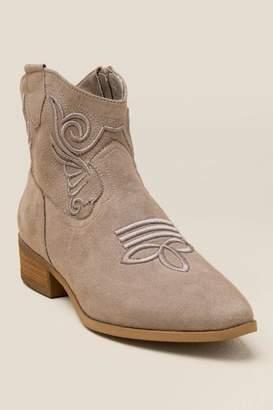 XOXO Fenton Western Ankle Boot - Taupe