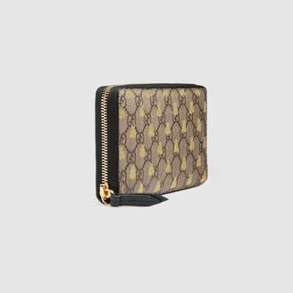 Gucci GG Supreme bees zip around wallet