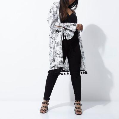 River IslandRiver Island Womens Plus cream floral print tie sleeve kimono