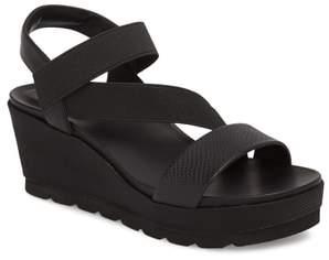 T Tahari TT-Gabel Sandal