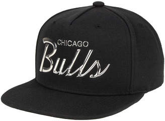 Mitchell & Ness Chicago Bulls Metallic Tempered Snapback Cap