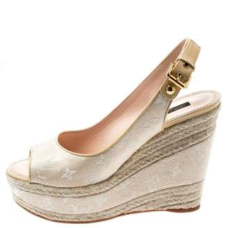 Louis Vuitton Beige Patent leather Sandals
