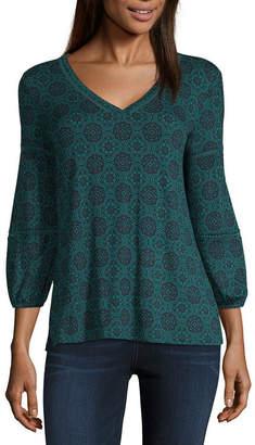 Liz Claiborne Long Sleeve V Neck Geometric T-Shirt-Womens