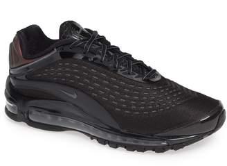 Nike Deluxe Sneaker