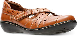 Clarks Collection Women's Ashland Spin Flats