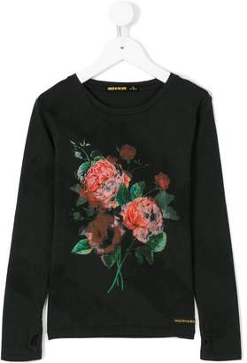 Finger In The Nose Dark Rose top
