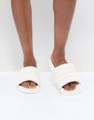 Monki Padded Sliders